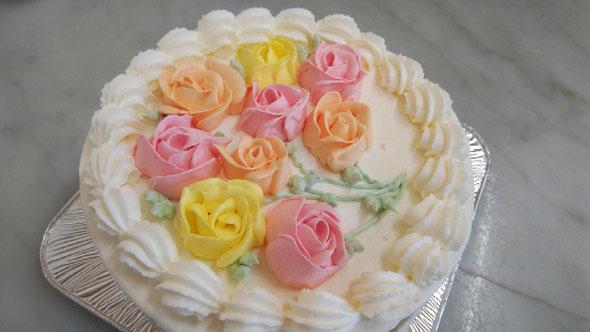 今週のお誕生日ケーキです。