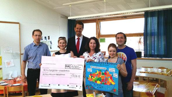 Spendenübergabe durch den Hauptsponsor Wirtschaftsimpuls GmbH aus Leinfelden an das Schlossberg-Kinderhaus in Musberg