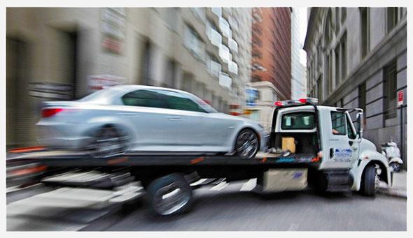 Abschleppkontrolle mit GPS Fahrzeugortung