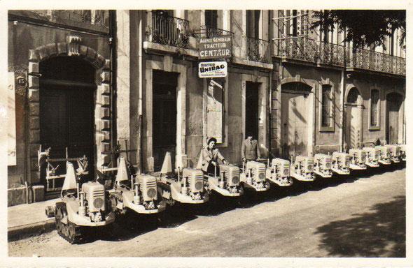 Les Unirag devant le concessionnaire exclusif A. Blanc à Agde