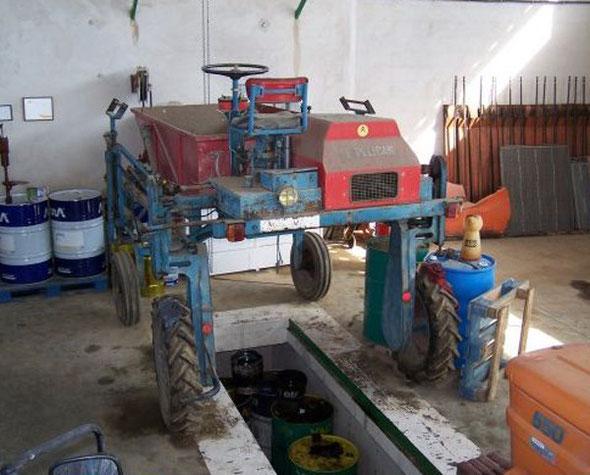 Tracteur enjambeur Le Pélican