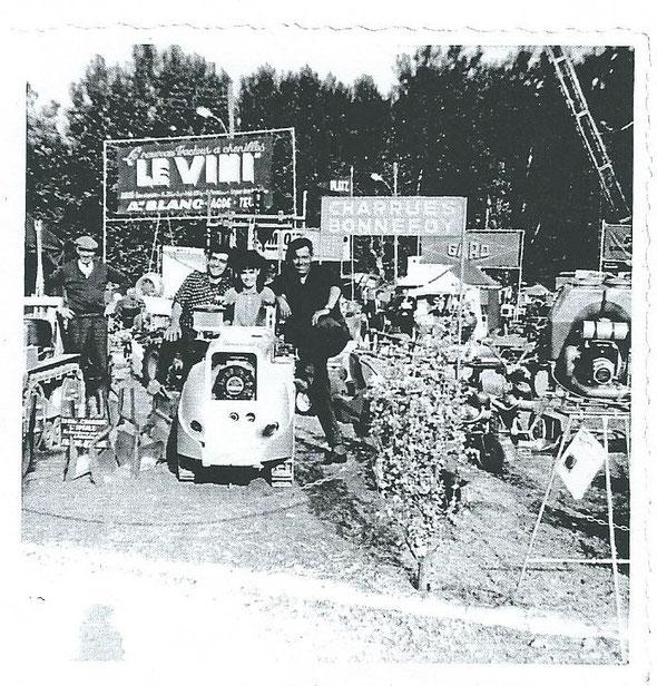 Le tracteur Le Vini exposé à Lavalette