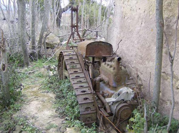 Tracteur Vidal à moteur Renault
