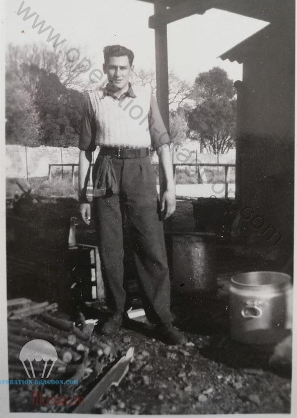 Mars 1945, Maurice LEYCURAS à la base de Nimes, corvée de cuisine...