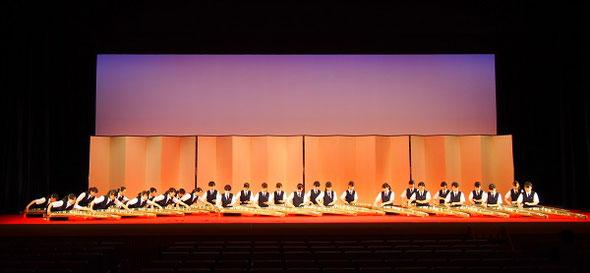 国立劇場にて本番の演奏