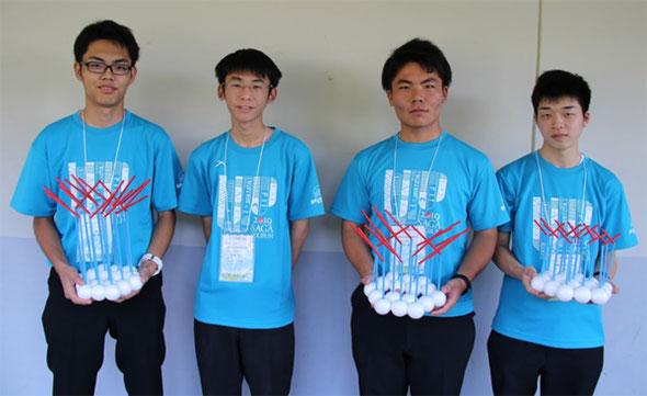 左から、北島侑和くん(2年)、伊藤健登くん(3年)、森康貴くん(2年)、片渕絢渡くん(2年)