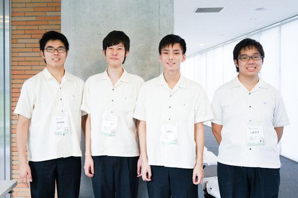 左から 船津遥紀くん、山本孝也くん、海野瑛太くん、山田太洋くん(全員3年)