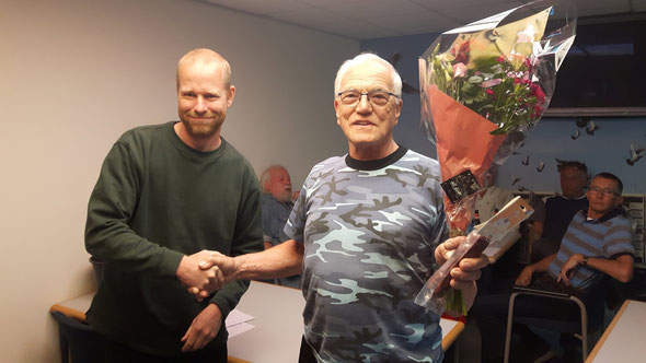 Bloemen voor de eerste - en Worst voor de laatste prijs