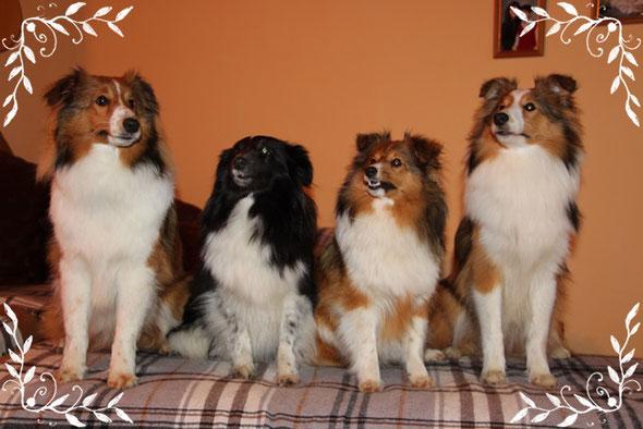 Anjuk ( Brummi), Mama Winnie, Anneli und Anouk ( Tupfn)