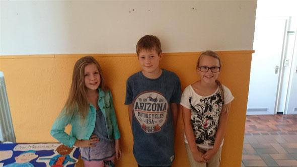 Theresa, Henk und Jana-Marie werden in jeder Klassenrats-Stunde Protokoll führen und die Ergebnisse somit schriftlich festhalten.