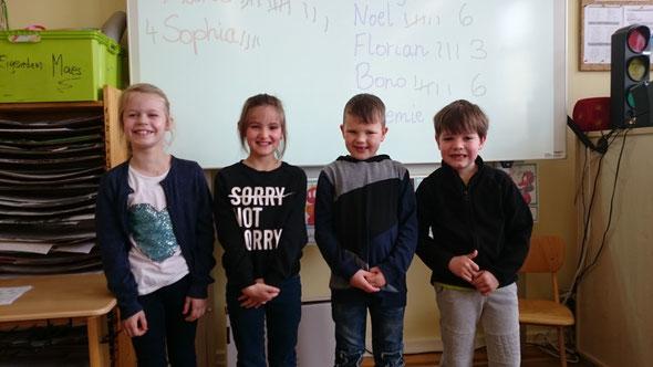 Unsere stolzen Klassensprecher: MARIT (Vorsitzende), SOPHIA (Stellvertreterin), NOEL und BONO.