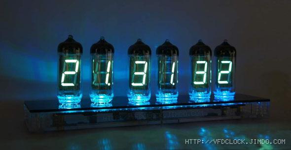 IV-11六管时钟-工作状态下侧拍