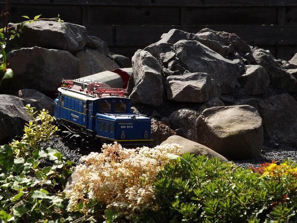 LGB Bruchsteinbahn Wasserbausteine Basalt