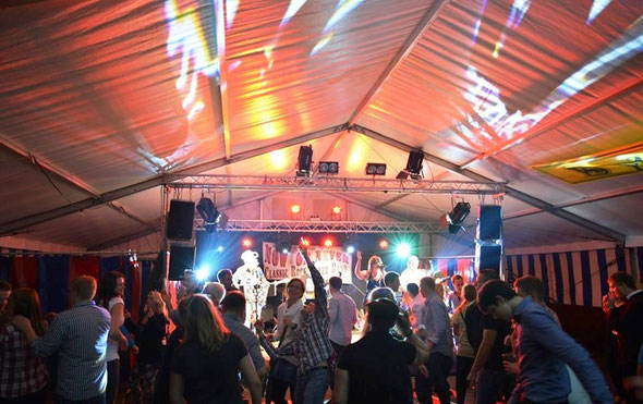 """Start - Tänzchen-Auftakt zur """"Hektar-Party""""Rodewald"""