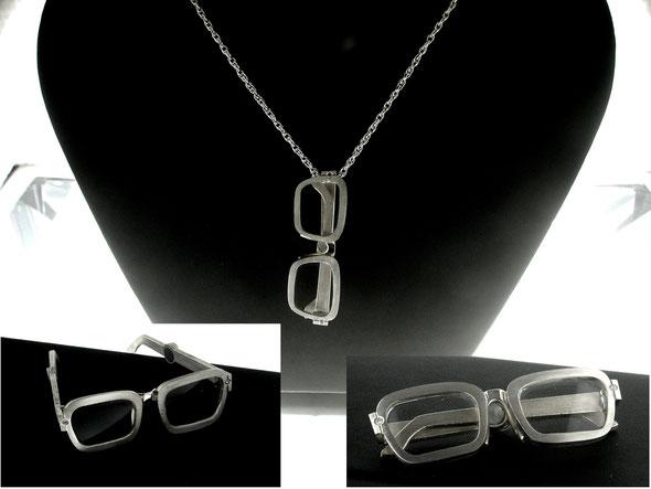 Anhänger in Silber mit zwei Diamanten