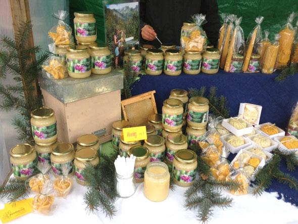 Marktstand am Weihnachtsmarkt in Reigoldswil BL