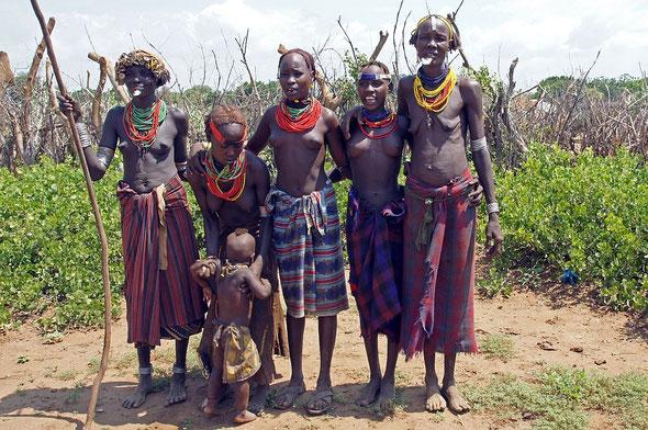 Bei der Volksgruppe der GELEB, an der süd-westlichen  Grenze Äthiopiens