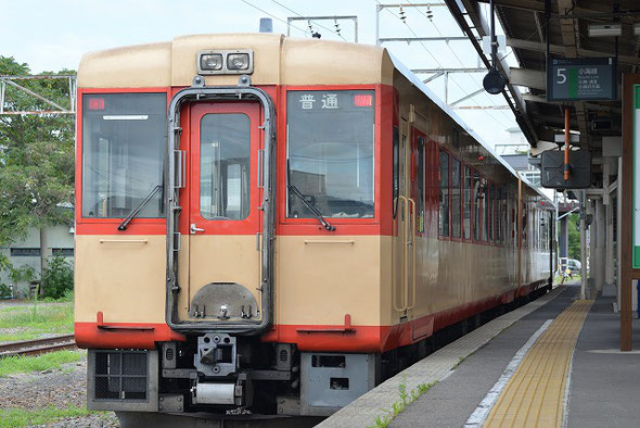 国鉄カラーのJR小海線