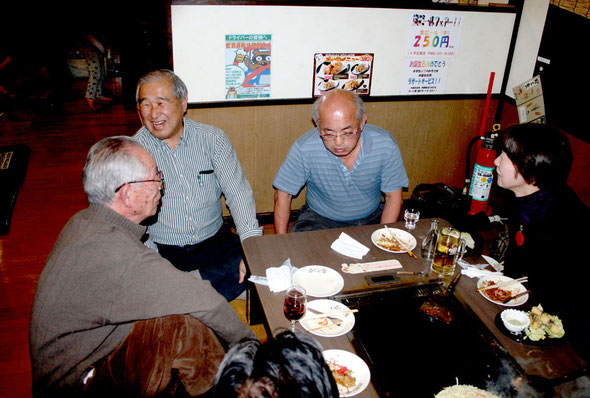 送別会は黒沢カウンセラーが経営する道頓堀(お好み焼きで評判の店)で開かれました。