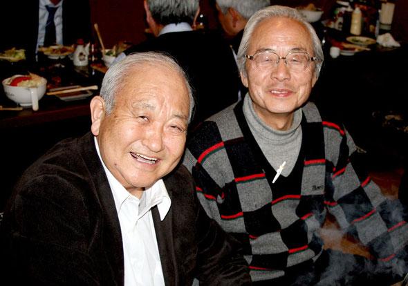 黒沢洋一カウンセラー(左)と瀬尾紀夫クラブ幹事