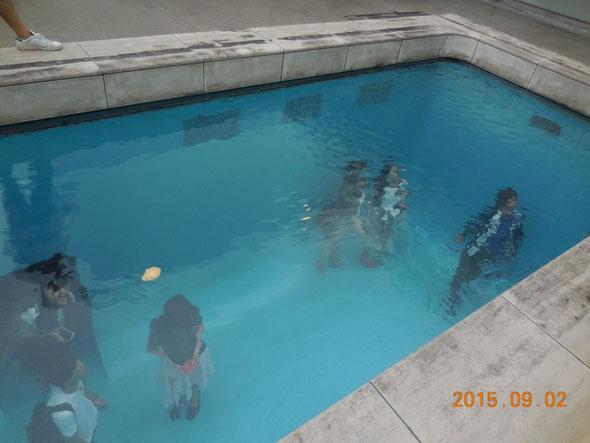 NO.14 プールの底に人影が
