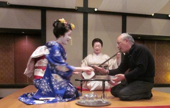 NO.33 芸子さんと「金毘羅船船で遊ぶ」京都東山山荘にて