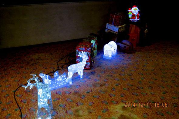 クリスマス家族会会場入り口の案内灯