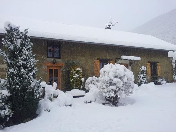 neige sur le gîte au matin du 02/02/2015