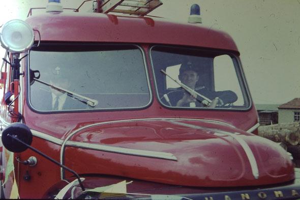 Fest 1971, Walter und Kersche-Willem am Sägewerk beim Festzug