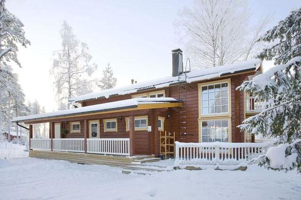 Der Tanz in den Mai in Kuusamo, Finnland