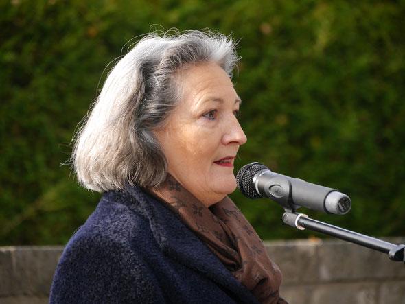 Volkstrauertag 2016 zum Thema: 100 Jahre nach der Schlacht von Verdun   - 70 Jahre Frieden in Europa                                   Claudia A. Schlürmann, 1.stv. Bürgermeisterin Heiningen