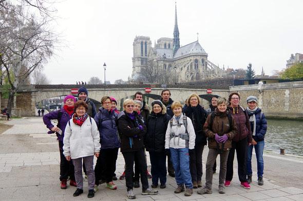 Traversée de  PARIS   - dimanche  13 décembre 2015 .