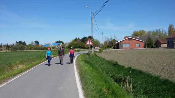 le 1 er mai 2016 - sur les chemins de l'arriére  pays de  BLAKENBERGE .