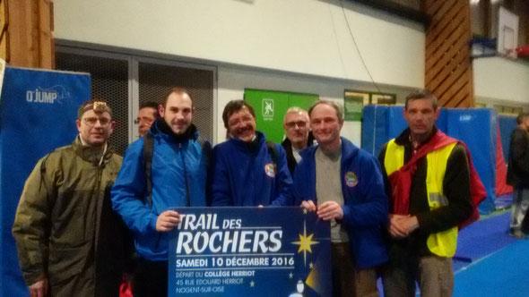 le trail des Rochers -  10/11/2016 - 15 km  -2 h 45  nos  finischer aprés cette marche de  nuit.