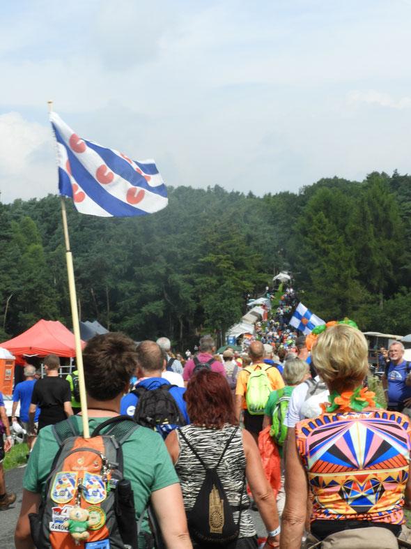 Nous avons fait les  monts du Pays-bas : cela  monte , cela descend  ...  enfin c'était léger par rapport à nos monts de  l' Oise .