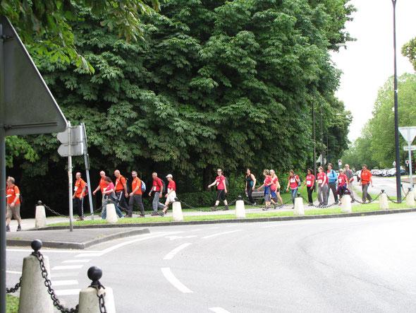 Samedi  25 juin 2016 : marche groupée de 18 km  - 20 participants -   4 heures avec les arrêts et le ravitaillement  ; Bon rythme de  marche .