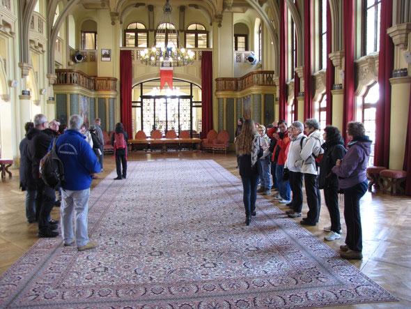 Visite  de l' Hotel de  ville tu TOUQUET   puis ensuite  le phare . Aprés  les  jambes  ,  un  peu de culture et  d'histoire .