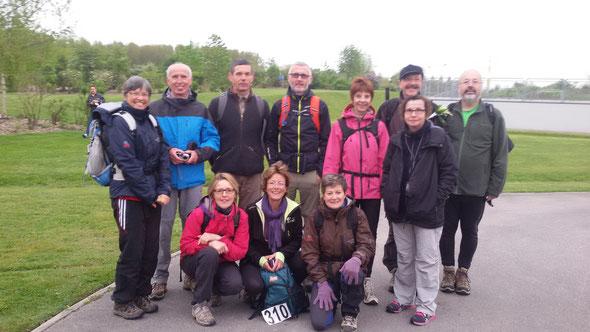 Les Marathoniens d ' AMIENS  . 12 membres du club ont  participé à cette  manifestation . 42km = 8 heures  avec  30 mn de repas  inclus . Le  01 Mai 2015.