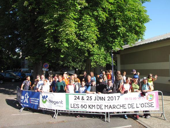 Départ des  18 km  le  24 juin  2017 en groupe accompagné  . Plus de  40 participants