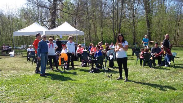 le 09 avril  à l'arrivée des  13 km de  MN  de  l'  INATTENDUE - Vieux  moulin - sous le  soleil.  5 participants  du club.