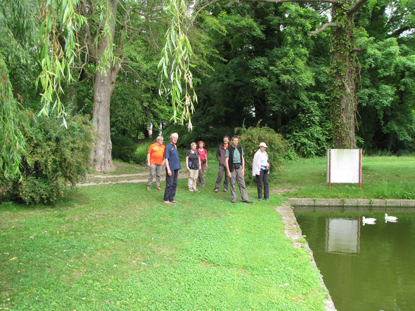 WK de  pentecote - Parc Naturel Transfrontalier du  HAINAUT -  A CYSOING -  pyramide de Fontenoy.