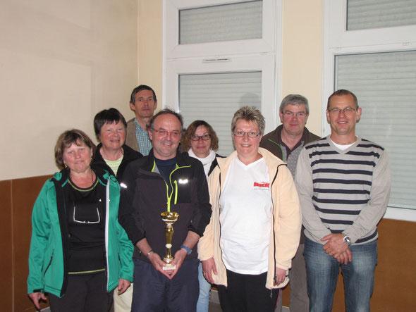 les  vainqueurs :   Equipe  les THELLE QUEL (club Neuilly-en-Thelle) avec  l'equipe du club ARN  qui  ont  préparer la RANDO CHALLENGE