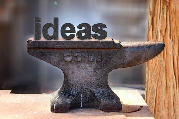 Amboss mit dem Wort ideas, Jungo-Grafik