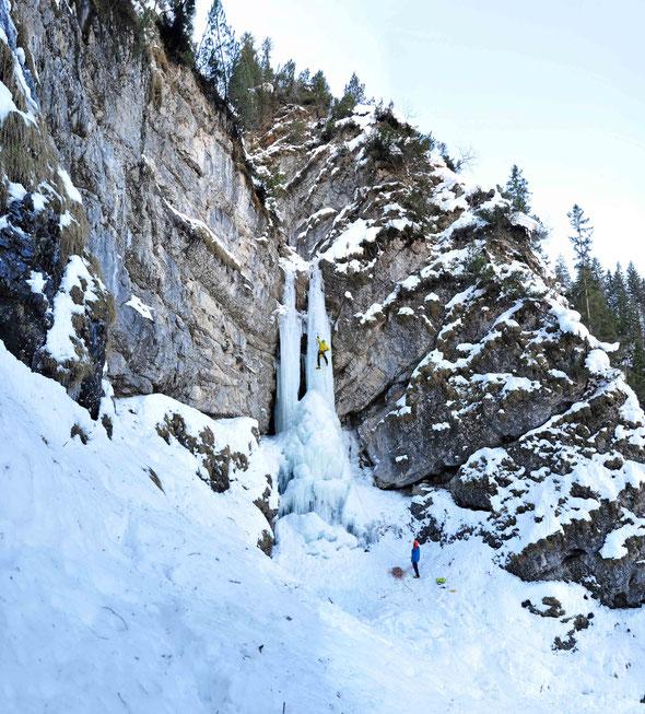 Eisklettern, Wasserfallklettern, Ulmer Jungs, Ettaler Mühle Fall, Ammergauer Alpen, Winterbergsteigen, Klettern