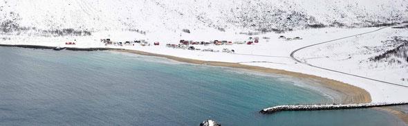 Ersfjord - eine ziemlich einsam gelegene Häuseransammlung auf Norwegens zweitgrößter Insel.