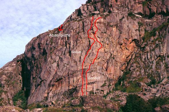 Das Gandalf-Massiv an der Südwest-Seite des Festvågtinden (541 m)