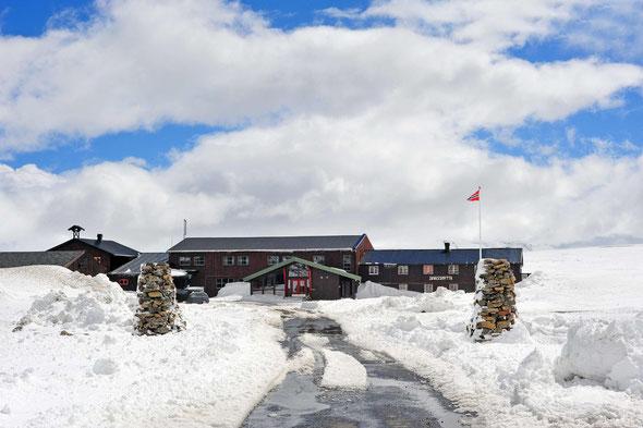 Auch Mitte Mai noch tief verschneit, die Juvasshytta.