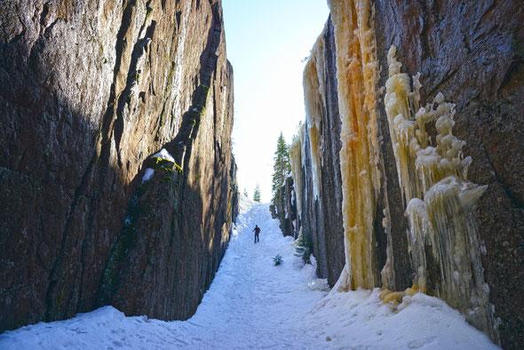 Einer der Höhepunkte im Skuleskogen: die Schlucht Slåttdalsskrevan.