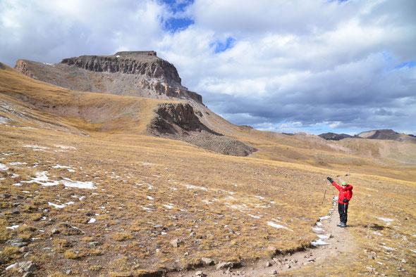 Auch wenn er nur wie ein Hügel aussieht - der Uncompagre Peak ist ein riesen Klotz!