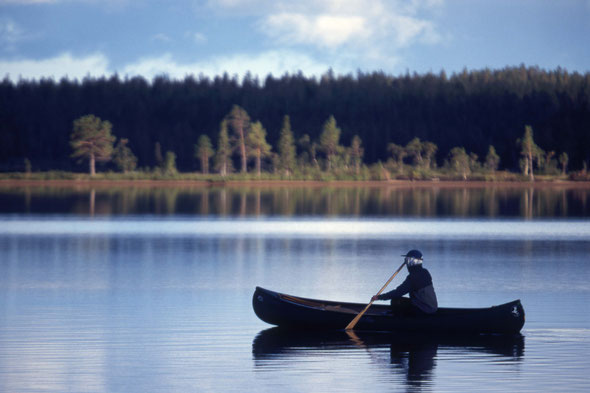 Trotz seiner Nähe zur Straße ein herrlich gelegener See - der Vuolep Appojaure!